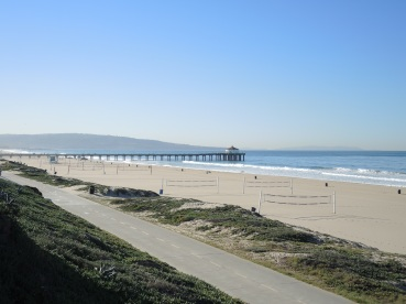 Looking south to the Manhattan Beach Pier and Palos Verdes, morning of October 30th.