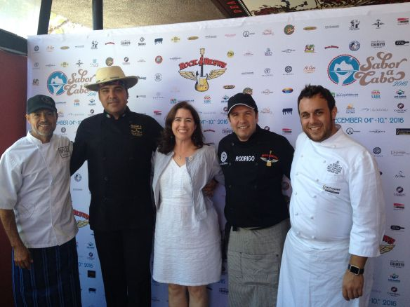 Sabor a Cabo chefs pose with Kiera Reilly at Rock & Brews in El Segundo for Los Cabos Tourism