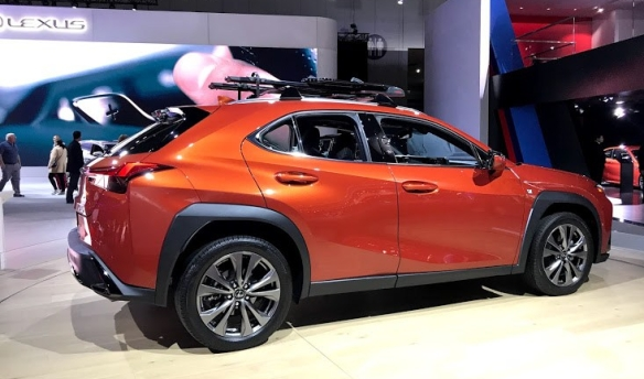 LA Auto Show Lexus UX A Girls Guide to Cars